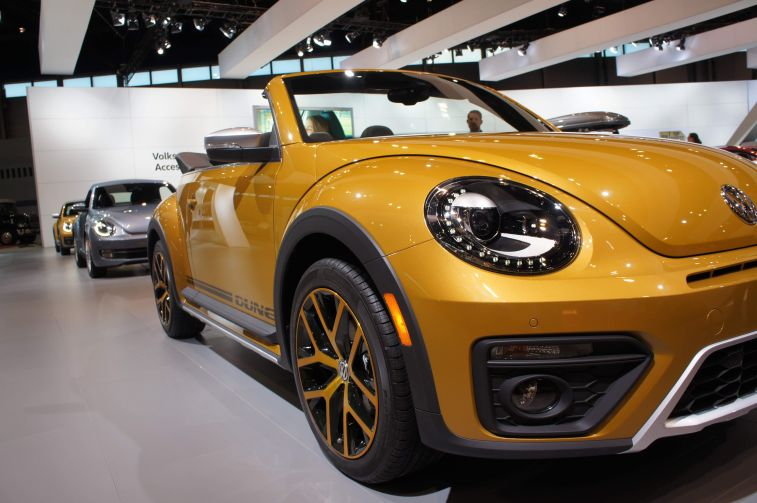 2016 beetle dune at Chicago Auto Show. (Xiumei Dong/MEDILL)